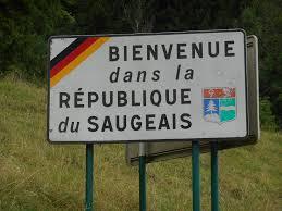 panneau-bienvenue-république-du-Saugeais